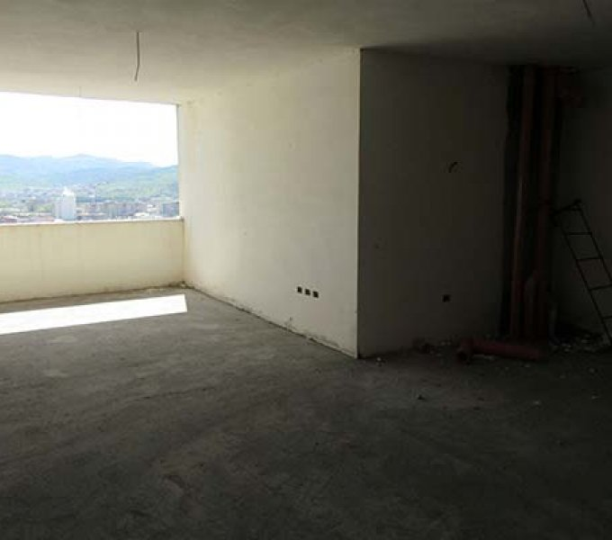 Shitet Apartament 3+1 120 m2